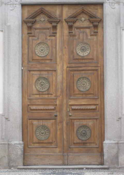 portone Chiesa S. Michele Arcangelo Olevano (ph.KAIROS)